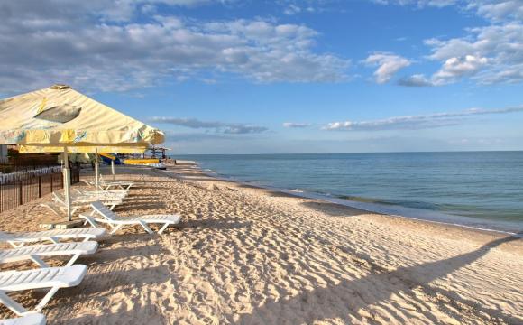Експерти розповіли, що буде з цінами на відпочинок на Азовському морі влітку 2021