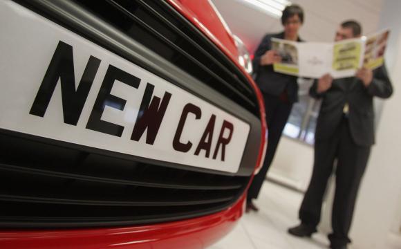 В Україні обвалилися продажі нових авто
