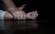 Чоловік ґвалтував неповнолітніх хлопців і знімав це на відео
