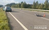 На Волині автомобіль збив велосипедиста, чоловік у реанімації