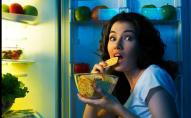 Що можна з'їсти перед сном, і не нашкодити фігурі: список продуктів