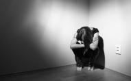 Посварилася з хлопцем: у Луцьку 19-річна дівчина стрибнула з 6 поверху