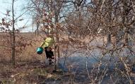Під час гасіння трави, яку сама ж підпалила, втратила свідомість волинянка. ФОТО