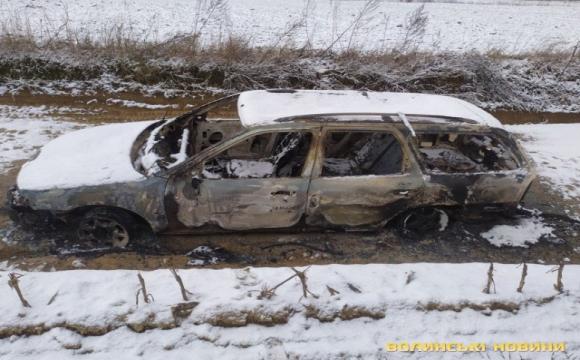 Поблизу Луцька авто вибухнуло та розлетілось на частини. ФОТО. ВІДЕО