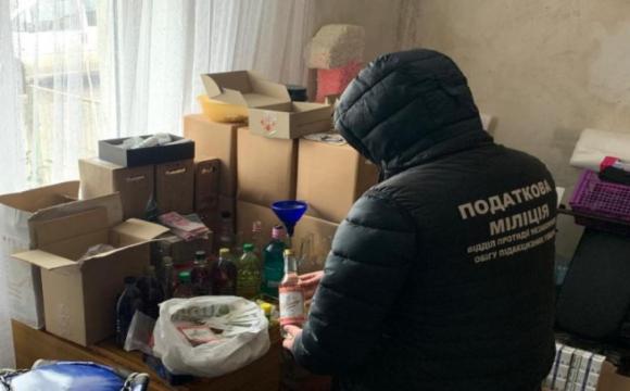 Операція «Спирт»: на Волині накрили підпільний алкоцех. ФОТО