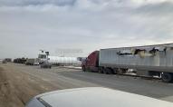 У Росії танк розірвав дулом бік фури, що їхала поруч. ВІДЕО