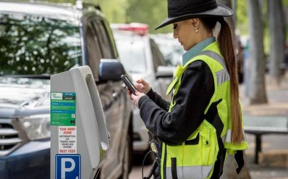 «Інспектори» з парковки в Україні незаконні?