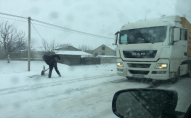 Через негоду на Волині обмежили рух вантажівок
