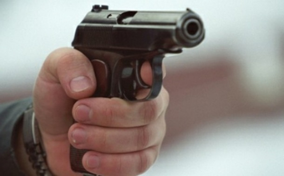 Депутат ОТГ прострелив ногу місцевому жителю