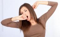 Нудьга чи тиск: чому люди позіхають