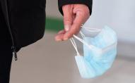 У Нововолинську в магазині затримали чоловіка без маски