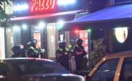 Біля бару у центрі столиці стріляли: троє важкопоранених. ФОТО