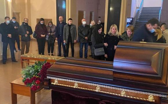 У Чернігові розпочалося прощання з нардепом Антоном Поляковим. ФОТО/ВІДЕО