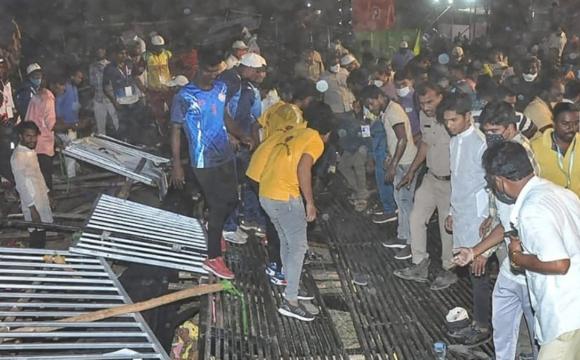 В Індії під час гри обвалилася трибуна з глядачами: 100 людей постраждали. ВІДЕО