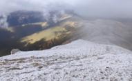 В Карпатах розпочалася справжня зима: вдарив мороз та намело снігу