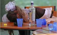 Школярки отруїлися алкоголем під час занять: директорка впевнена, що пиріжками