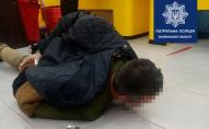 Іноземець у Луцьку вночі намагався пограбувати магазин. ФОТО