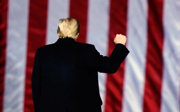 Трамп планує в останній день на посаді помилувати близько 100 осіб