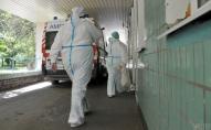 Тисячі медиків залишилися без роботи в розпал пандемії
