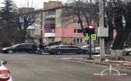 У Луцьку посеред проспекту - ДТП, утворився величезний затор. ФОТО