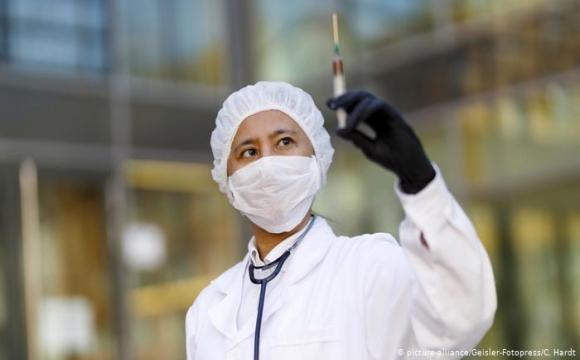 ВООЗ виступила проти обов'язкової вакцинації проти Covid-19 для міжнародних поїздок