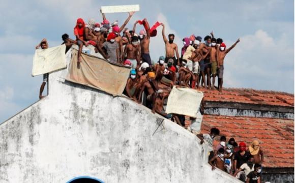 На Шрі-Ланці наростають антикоронавірусні протести: є загиблі