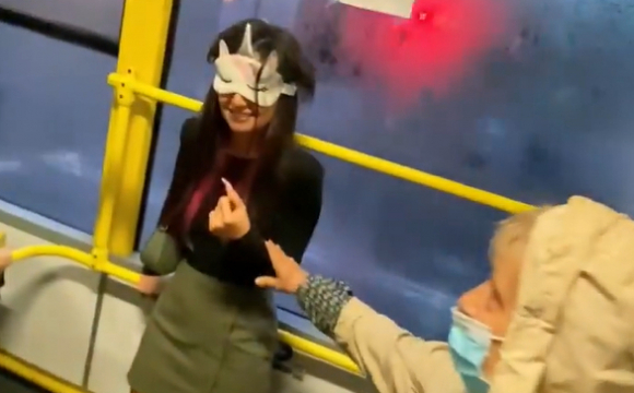 Українська співачка потрапила у скандал в столичному тролейбусі. ВІДЕО