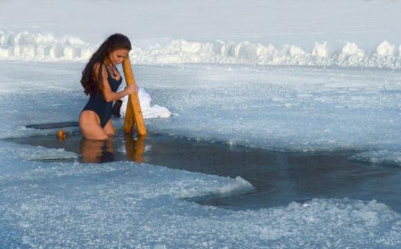 Як відомі волиняни в ополонці купалися. ФОТО