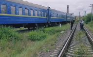 Лежав на колії: пасажирський потяг переїхав 70-річного чоловіка