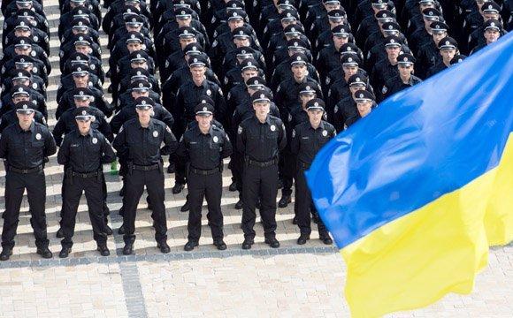 В Україні підвищать зарплату поліцейським?