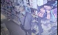 На Волині поліція розшукує чоловіка, якого зафіксували камери