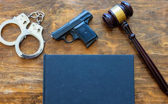 На Волині на судове засідання намагались пронести ножі та пістолет