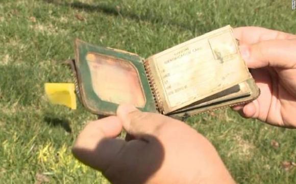 Через 70 років жінці повернули загублений гаманець