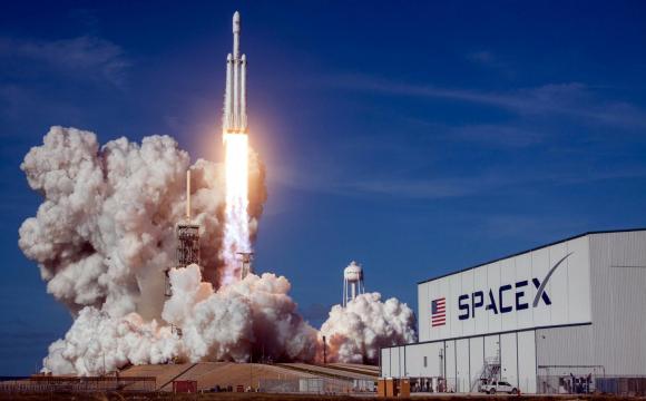 SpaceX повідомила час запуску модифікованого вантажного корабля