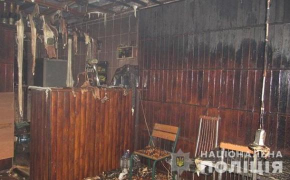Не сподобалось обслуговування: незадоволений відвідувач спалив кафе. ФОТО