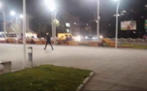 Хотів щось підірвати: біля «Променя» у Луцьку затримали п'яного чоловіка. ВІДЕО