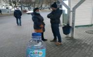 Лучанка вже вкотре продавала самогон у пляшках з-під дитячої води. ФОТО