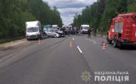 Поліція, медики та рятувальники: потрійна ДТП на трасі Луцьк-Ковель. ФОТО