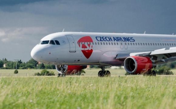 «Чеські авіалінії» через пандемію звільняють усіх співробітників