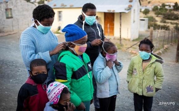 Африканський союз відмовився від закупівлі COVID-вакцини AstraZeneca