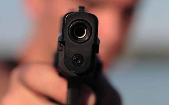 Волинянин вистрілив собі в око з пістолета. ВІДЕО