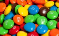 У популярних цукерках знайшли шкідливу добавку