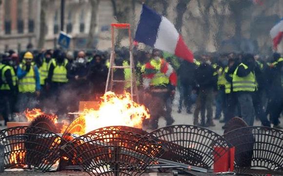 Протести в Парижі: поліція повідомила про 64 затриманих,