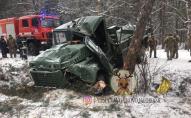На Львівщині потрапила в аварію вантажівка з військовими, є постраждалі. ВІДЕО