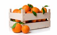 З'їли 30 кг апельсинів на чотирьох, щоб не доплачувати за багаж у літаку