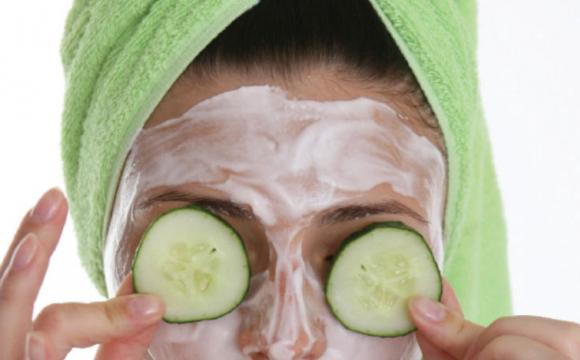 Історія про Фіону: дівчина зробила маску і позеленіла. ФОТО