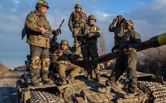 """На Донбасі бойовики порушили """"перемир'я"""""""