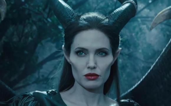 «Він подумав, що я зла чаклунка»: Анджеліна Джолі налякала хлопчика