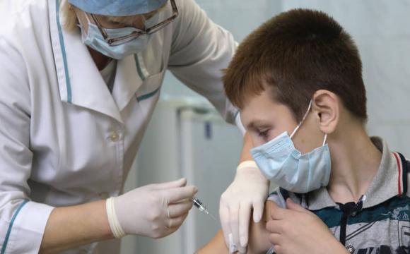 За добу вакцинувались 300 тисяч українців