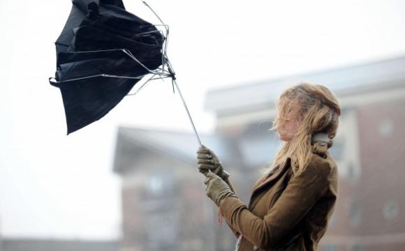 В Україну йде похолодання: синоптикиня попередила про сильний вітер